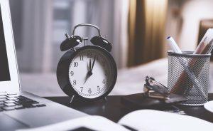 Tijdregistratie in grote bedrijven | Aanwezigheidsregistratie | Traxgo