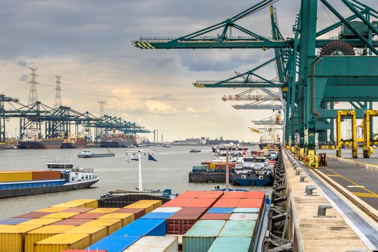 Tracking, monitoring & business software in het Antwerpse havengebied